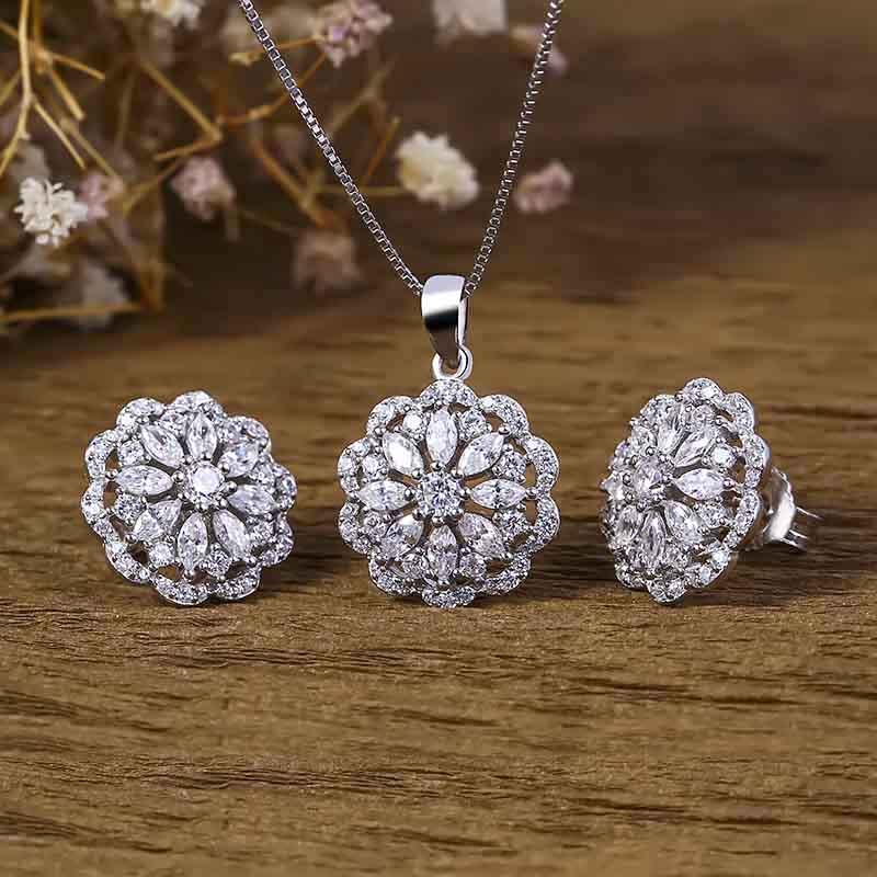 Bộ trang sức bạc Flowering Shrubs - 4450698 , 101070144 , 249_101070144 , 998000 , Bo-trang-suc-bac-Flowering-Shrubs-249_101070144 , eropi.com , Bộ trang sức bạc Flowering Shrubs