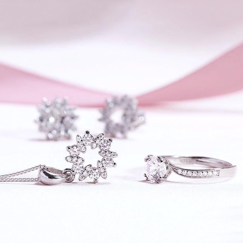 Bộ trang sức bạc Gift For You - 4450715 , 100090006 , 249_100090006 , 981000 , Bo-trang-suc-bac-Gift-For-You-249_100090006 , eropi.com , Bộ trang sức bạc Gift For You