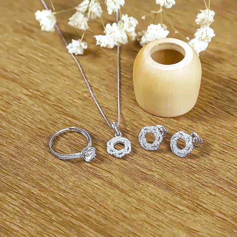 Bộ trang sức bạc Spiral Of Love - 4450719 , 100090001 , 249_100090001 , 990000 , Bo-trang-suc-bac-Spiral-Of-Love-249_100090001 , eropi.com , Bộ trang sức bạc Spiral Of Love