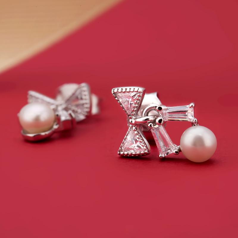 Bông tai bạc The Bow Pearl