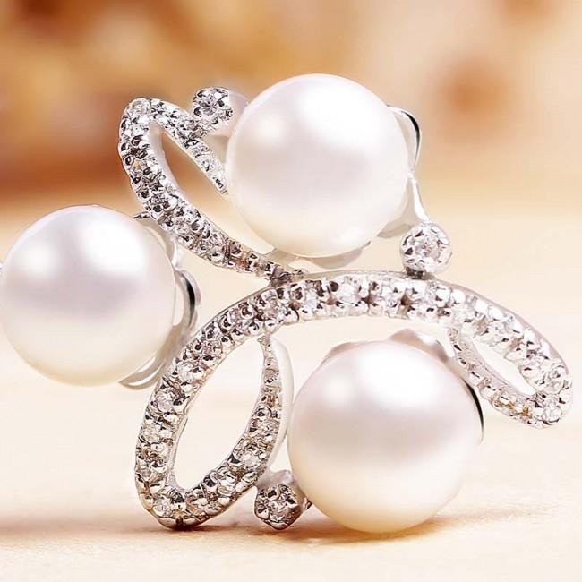 Mặt dây chuyền bạc Expensive Pearls 3
