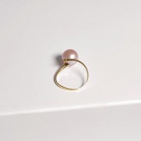Nhẫn ngọc trai nước ngọt gắn vàng 18k đính kim cương