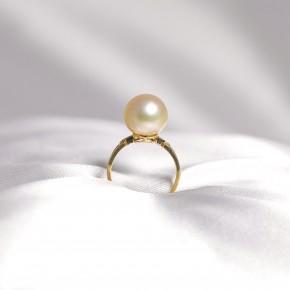 Nhẫn ngọc trai nước mặn South Sea gắn vàng 18k đính kim cương