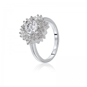Nhẫn bạc Victoria Love
