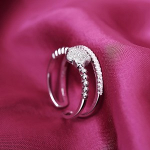 Nhẫn bạc Celina Flower