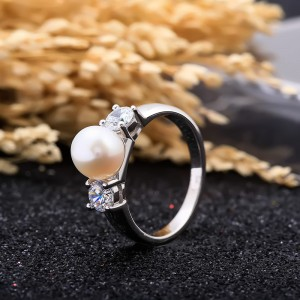 Nhẫn bạc Charm Pearl