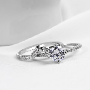 Nhẫn bạc Hand in hand