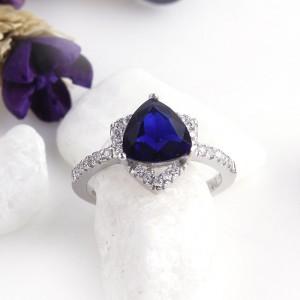 Nhẫn bạc Triangle Love