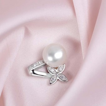 Mặt dây chuyền bạc Flower And Pearl