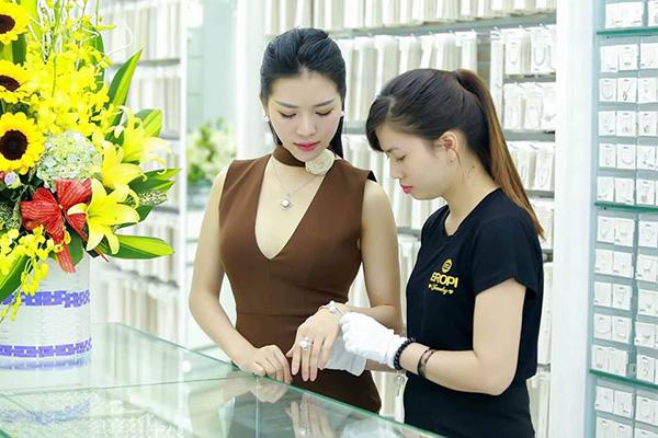 Eropi Jewelry tuyển dụng nhân viên bán hàng
