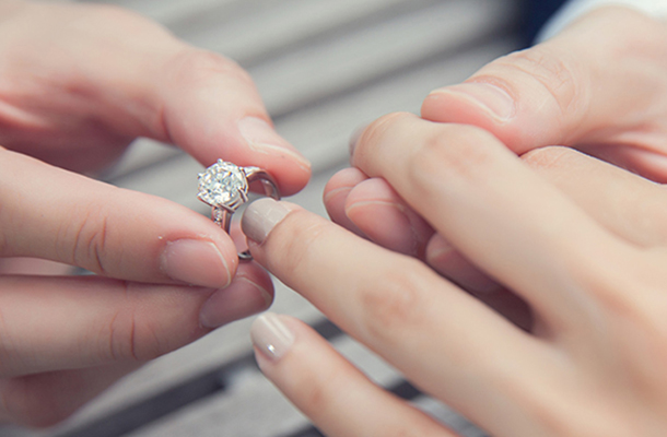 Hot với 7 xu hướng nhẫn đính hôn năm 2018