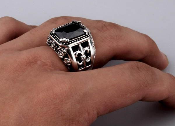Nam giới đeo nhẫn có ý nghĩa gì?