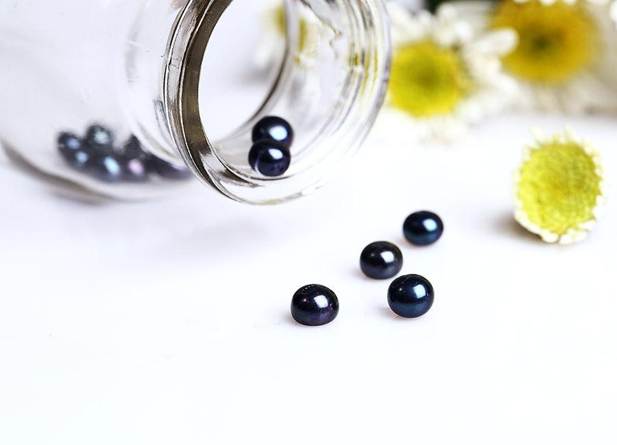 Ngọc trai đen quyến rũ và bí ẩn.