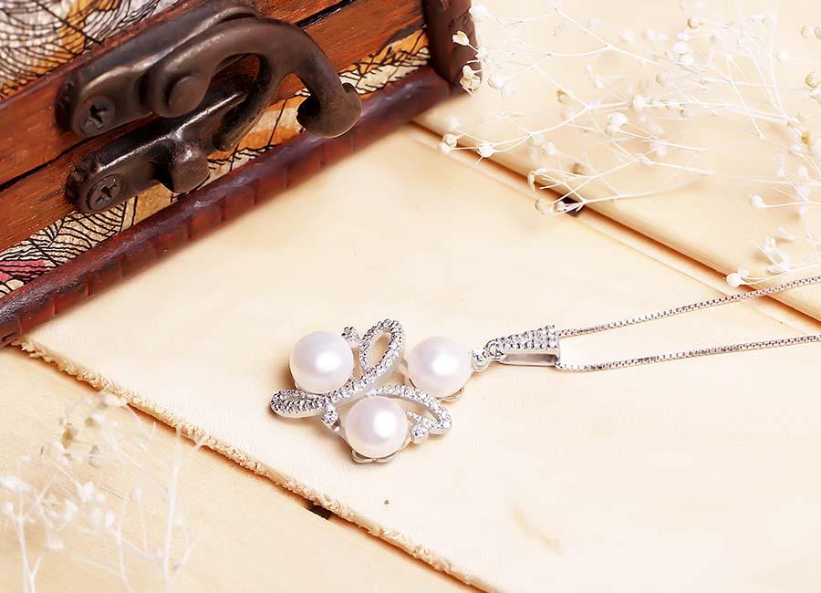 Kết hợp với dây đeo phù hợp sẽ tạo thành món nữ trang hoàn hảo.