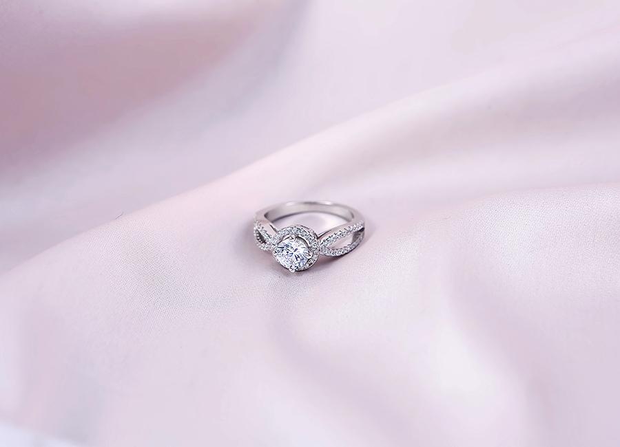 Sản phẩm thuộc dòng nhẫn bạc nữ mang thương hiệu Eropi Jewelry.