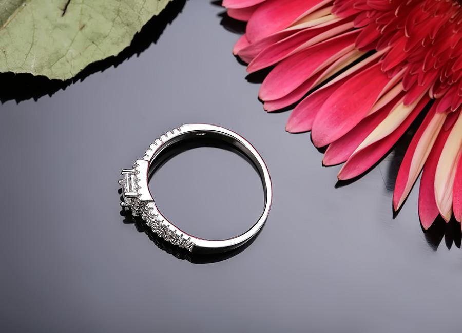 Đây chắc chắn sẽ là chiếc nhẫn làm hài lòng ngay cả những khách hàng khó tính nhất.