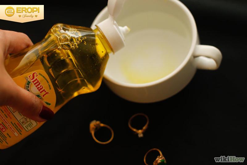 phương pháp làm sạch bằng dầu rửa bát