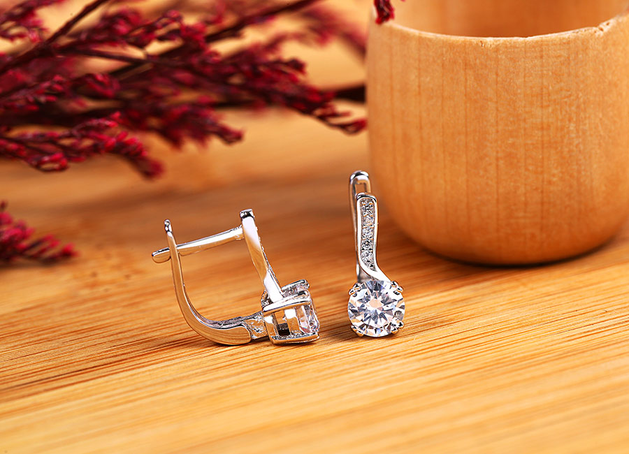 Cận cảnh vẻ đẹp của bộ trang sức bạc.