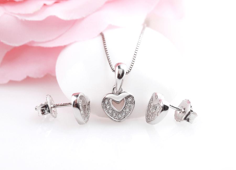 Shine Heart vô cùng lãng mạn, nhẹ nhàng và nữ tính.