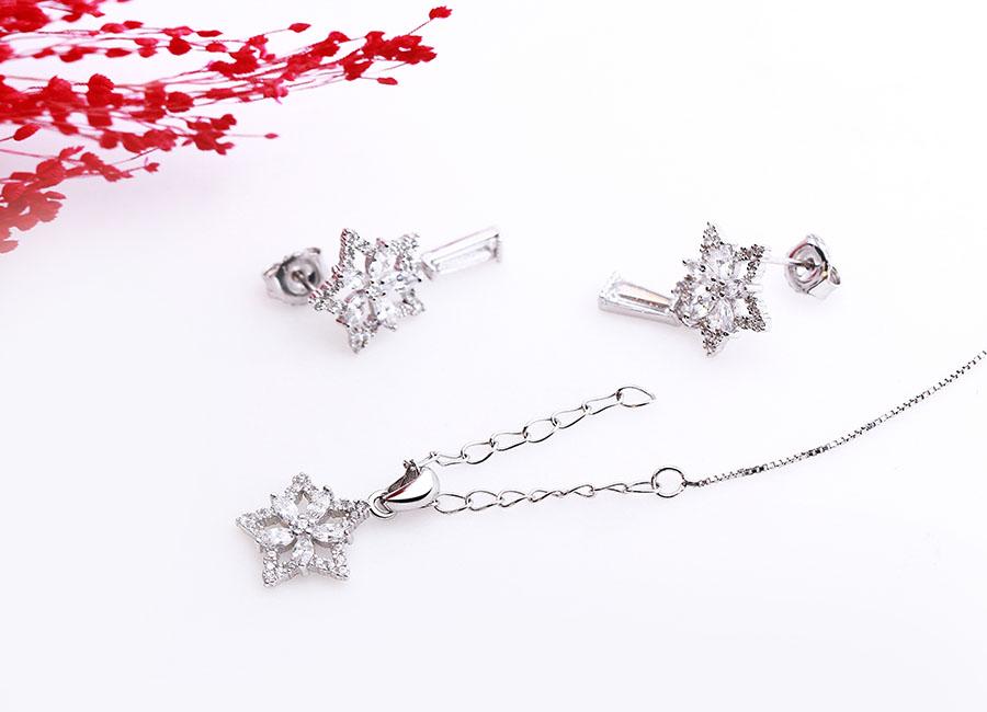 Bộ trang sức bạc Star And Flower lấp lánh