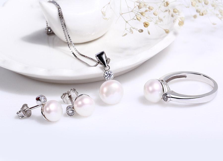 Bộ trang sức bạc Sunshine Pearl là giấc mơ có được của nhiều cô gái.