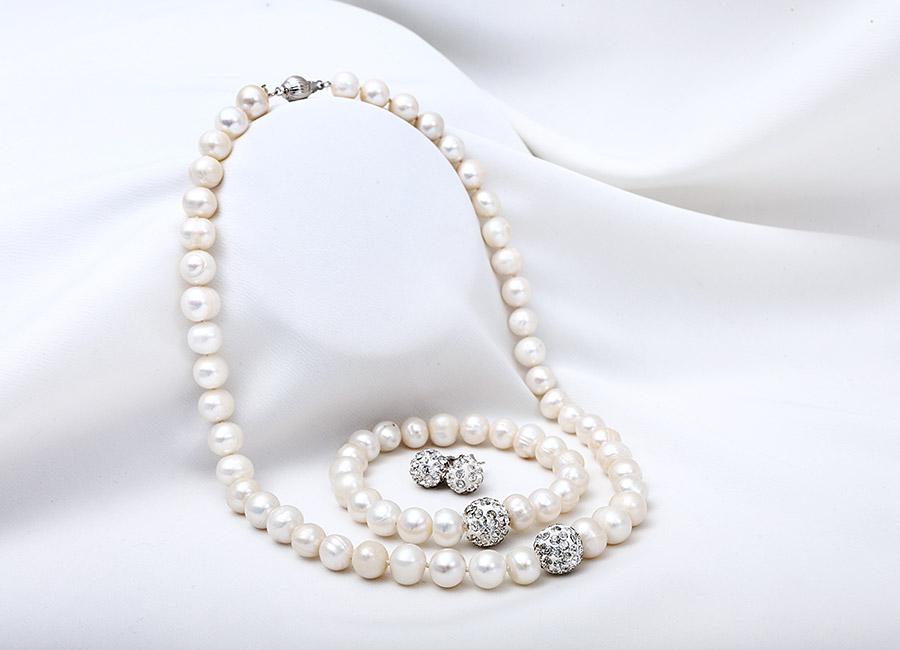 bộ trang sức My Sunshine Pearl màu trắng.