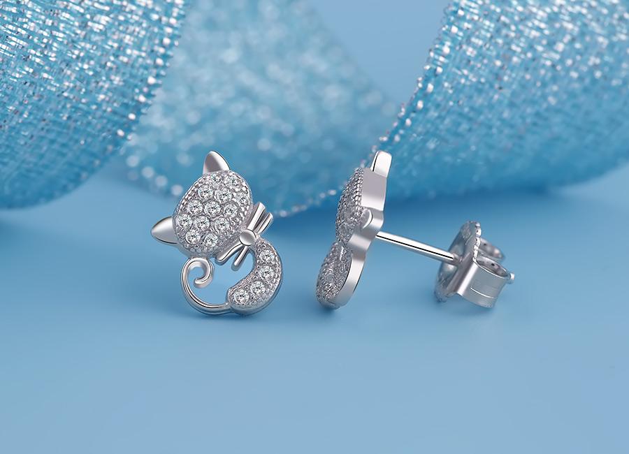 Thiết kế tỉ mỉ của mẫu trang sức bạc.