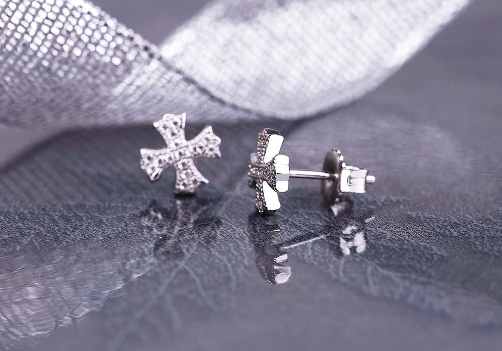 Từng chi tiết nhỏ trên mẫu trang sức đều đẹp và hoàn thiện kỹ càng.
