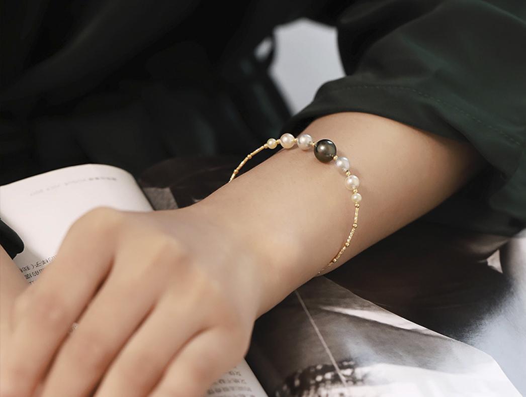 Lắc tay vàng 18k