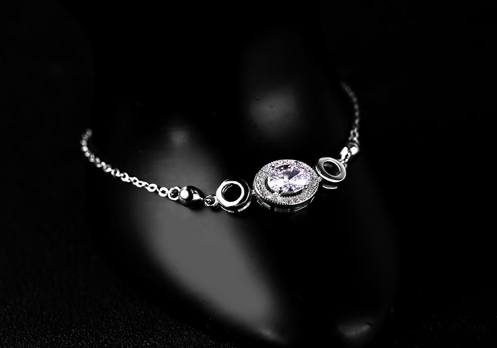 Lắc tay bạc Be Amazing mang đến hơi thở mới lạ cho người đeo