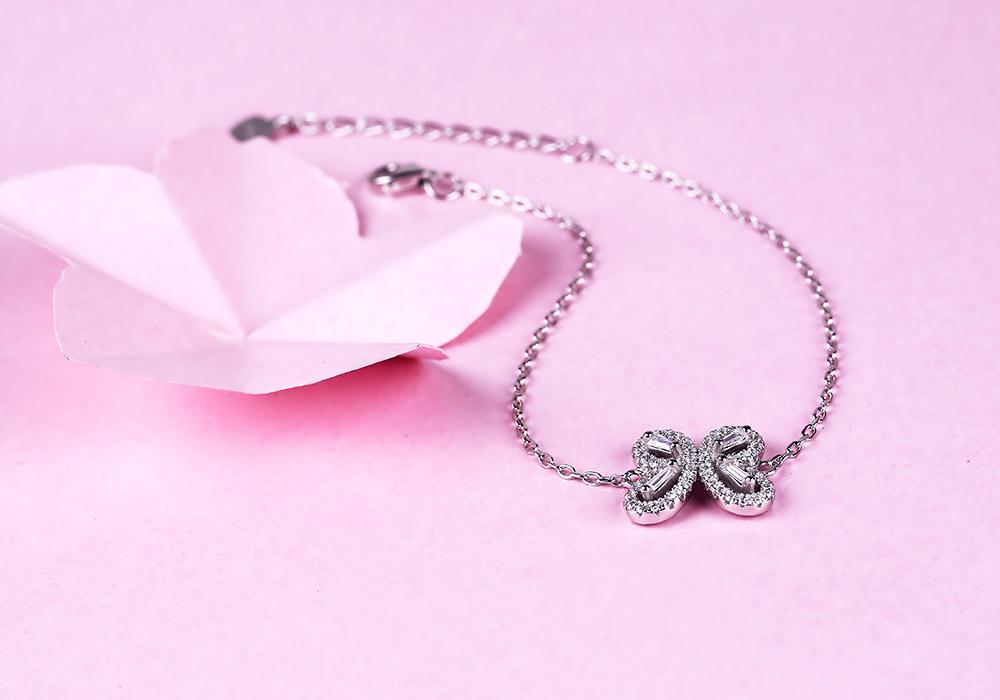 Bạn sẽ bị đắm chìm vào vẻ đẹp lung linh của Butterfly Love chưa?