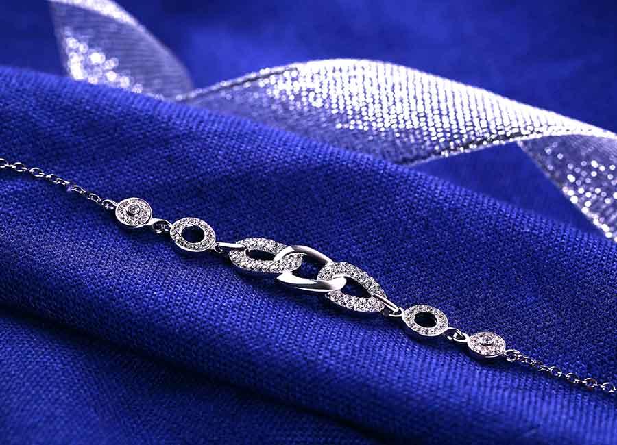 Lắc tay bạc Luxurious chắc chắn, xinh xắn