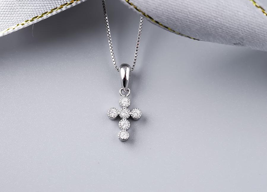 Biểu tượng thánh giá được biết đến rộng rãi.
