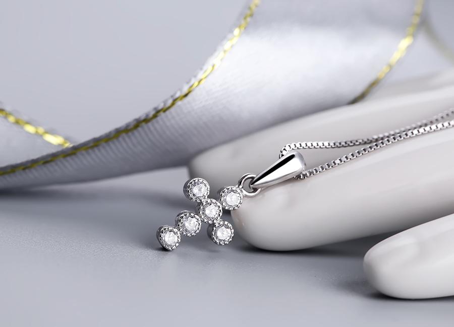 Ngắm nhìn vẻ đẹp giản đơn nhưng đầy hấp dẫn của mẫu trang sức.