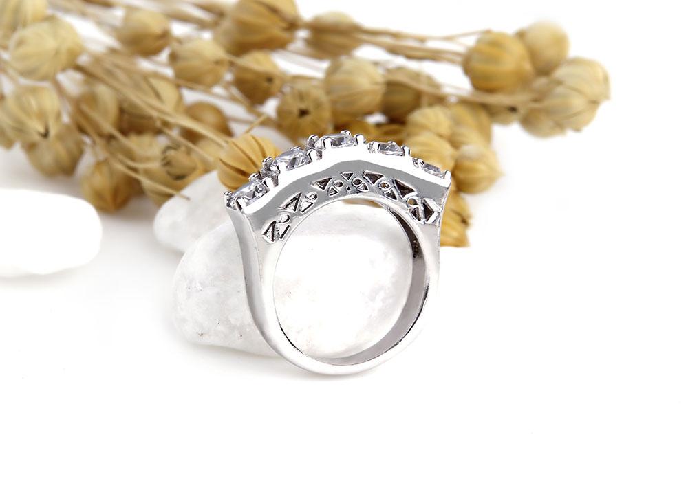 Nhẫn bạc Line Love độc đáo đầy sáng tạo