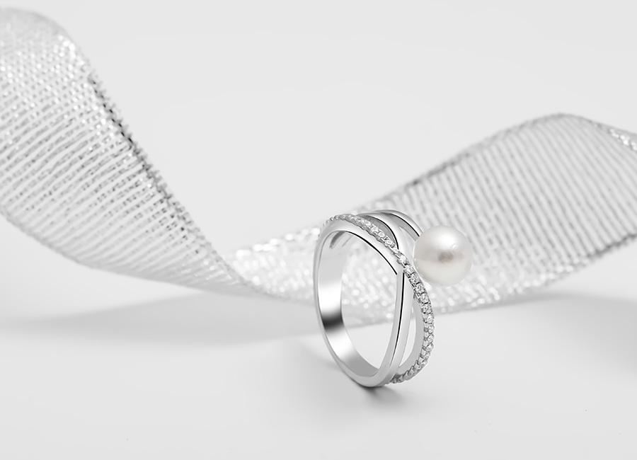 Thiết kế nhẫn bạc ngọc trai mà mọi phụ nữ đều yêu thích.