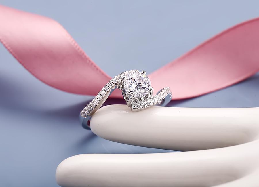 Nhẫn bạc nữ cao cấp mang thương hiệu Eropi.
