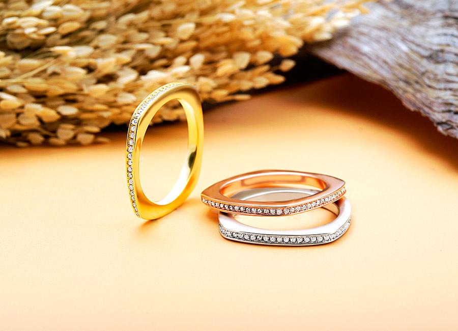 Nhẫn mảnh rất dễ đeo.