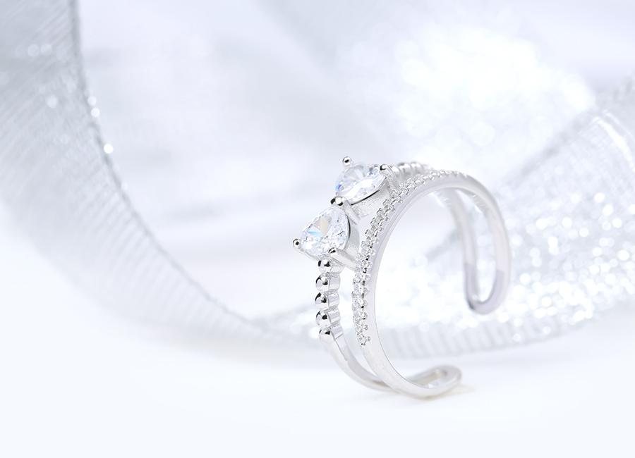 Nhẫn bạc nữ cao cấp mang đến nét đẹp tinh tế cho bạn gái.