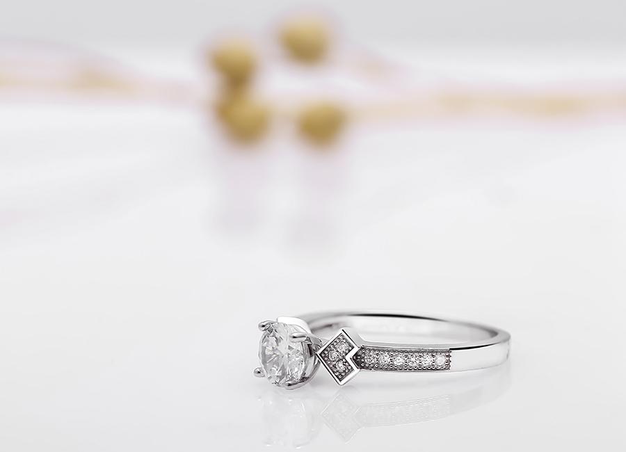 Nhẫn bạc Tenfnut – vẻ đẹp của thời đại.
