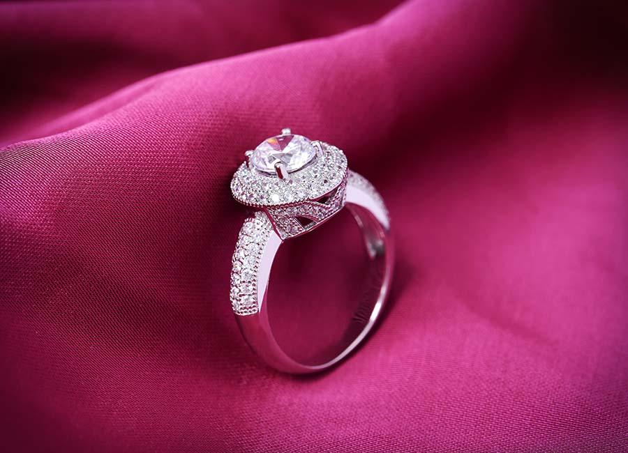 Mẫu nhẫn đẹp, tinh tế lấy lòng mọi bạn gái.