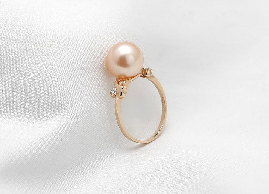 Chiếc nhẫn thể hiện đẳng cấp và địa vị của chủ nhân cùng gu thẩm mỹ tinh tế của người chọn nó.