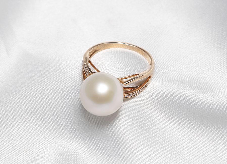 Nhẫn vàng 18k ngọc trai Pure Lavie chính là tâm ý Eropi dành cho phái đẹp.