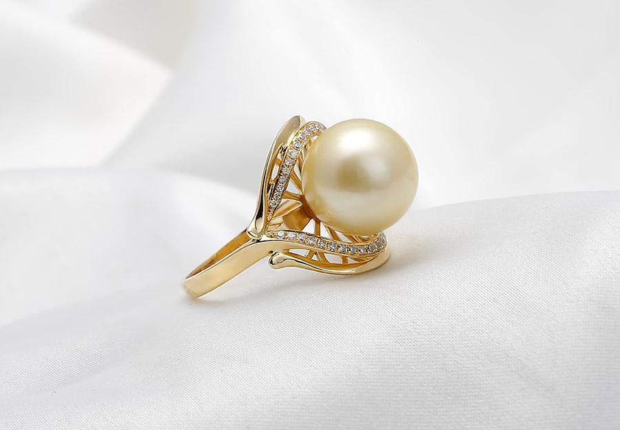 Nhẫn vàng 18k ngọc trai thật Jade 10-11mm cuốn hút mọi ánh mắt.