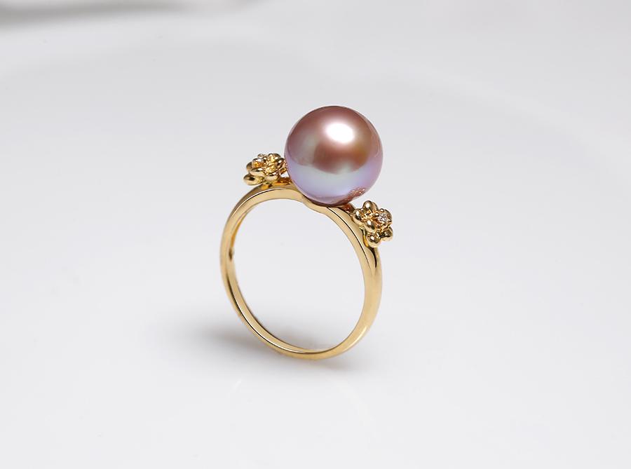"""Nhẫn vàng 18k ngọc trai thật Pipie được coi là """" nữ hoàng"""" trong bộ trang sức nhẫn."""