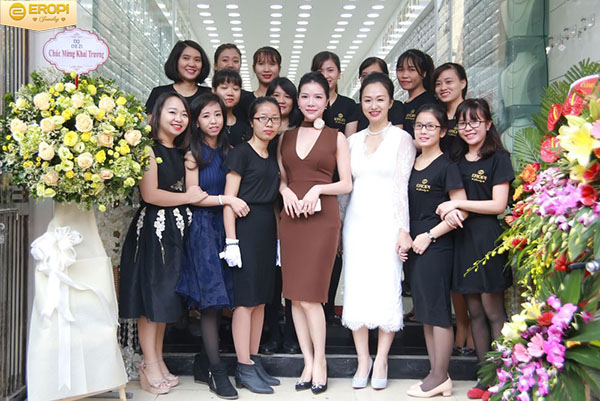 đội ngũ nhân viên của eropi jewelry