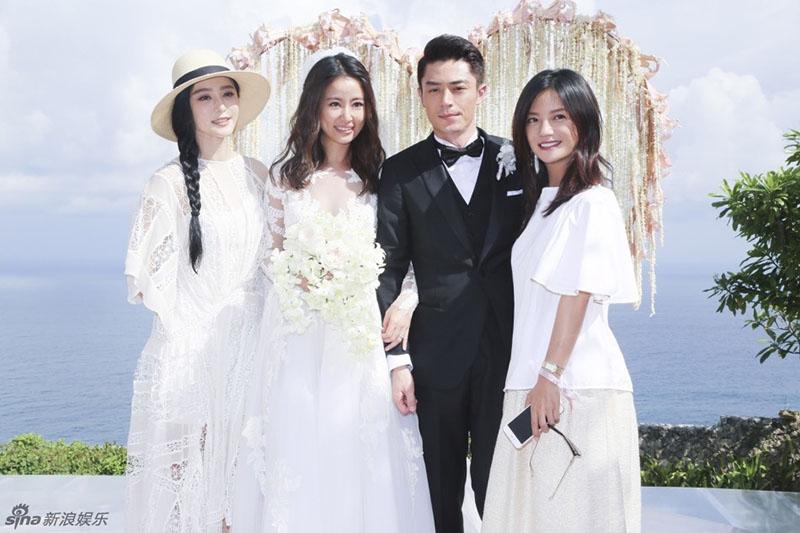 Chiếc váy cưới cao cấp của thương hiệu Zuhair Murad có giá 17.600 USD (tương đương gần 400 triệu đồng)