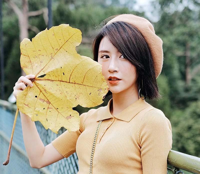 Nét cười duyên trên khuôn mặt của hotgirl Quỳnh Anh Shyn.