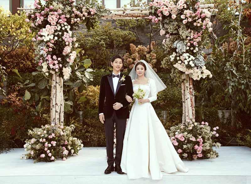 Ảnh cưới cặp đôi Song - Song ( Song Hye Kyo và Song Joong Ki ).