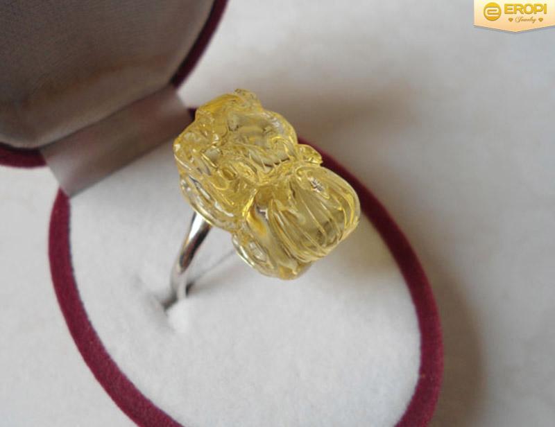Nhẫn Tỳ Hưu nên đeo ở ngón tay nào?